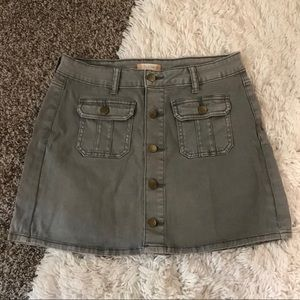 Altar'd State grey button up skirt, size Small
